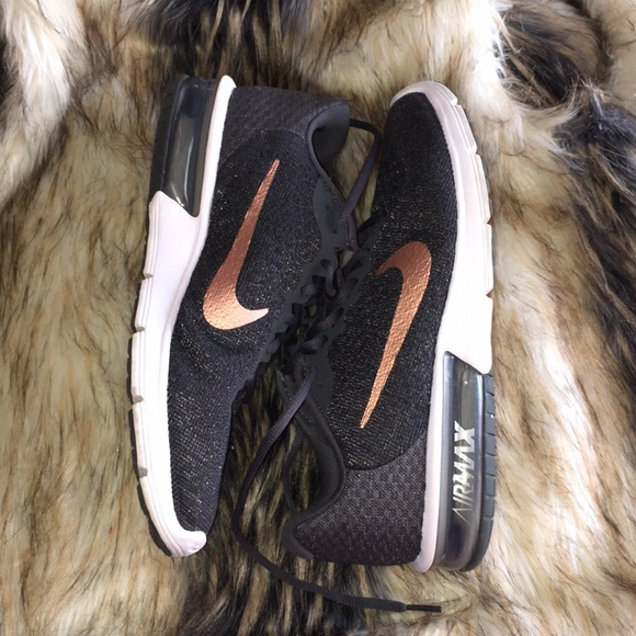 nike air max sequent rose gold